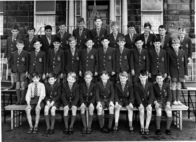 Class Photo 1961.jpg - Class with Paul Barry, 1961-62. Other include, Paul MacKean, Peter Perrin, Joslin, Peter Powell, Norman Innes & Witold Miedzybrodzki.