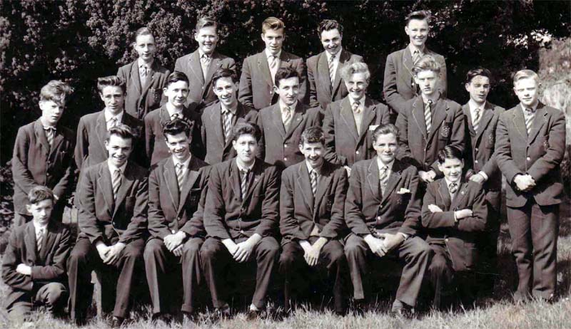 Class Photo 2 1956.jpg - John Davies, Alan Brown, ?. Chris Valberg, Ian Cunning.Nigel Smith, Laurence Cassidy, Bruce Laidlaw, George Powell, Michael Bergin, Robin Smith, Ken Somerville, Shane Campbell, James Clark Peter Barry, Eric Archibald, ?, Ricardo Macari, Des Anderson?, Antony Thane, Kenneth Kerr About 1956?
