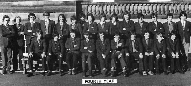Class Photo Forth Year 1974.jpg - 4th year 1974.