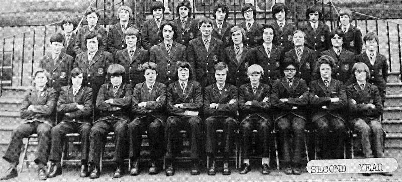 Class Photo Second Year 1975.jpg - 2nd Year 1975