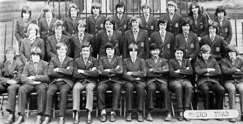 Class Photo Third Year 1975.jpg - 3rd year 1975