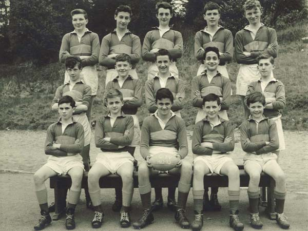 Bxv.jpg - CXV 1962-63 -  Back row - ?, Freddy D'Agostino, Brian Jackson, Tommy Rooney, ? Middle Row - Brian Finnigan, Peter Donahue, Gerry McEneny, Marc Capaldi, Joe Strathie Front row - Leo Docherty, Lenny Oliver, Eion Coulthard, David Pia, Michael Morrison